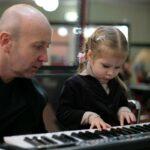 Зачем и как учить музыке